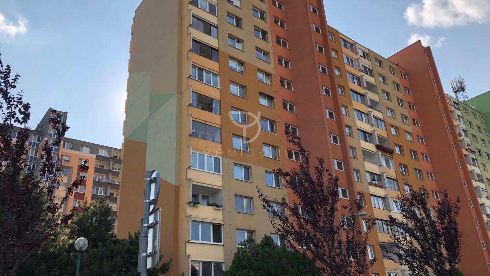 YamiDomi_invest ponúka na predaj 2i byt na Nám. Hraničiarov, BA V.